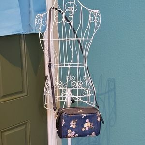 Bennett Crossbody With Painted Floral Box Print